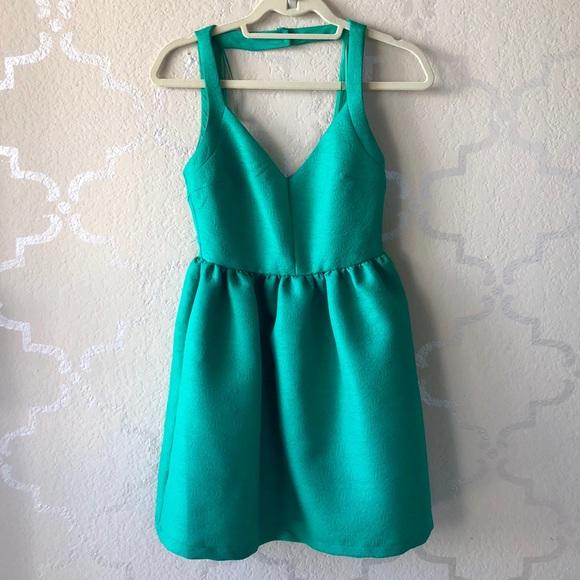 Dresses & Skirts - ✨ Elegant Vintage inspired Emerald Green Dress S